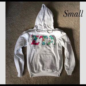 Sweaters - Zeta Tau Alpha ZTA white sweatshirt size small